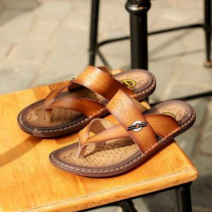 Men Casual Leather Soft Sole Clip Toe Slippers Sandals
