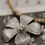 ALOHA THE HIBISCUS FLOWER NECKLACE 3